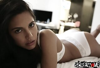 Skilled guy picks up pretty girl Samantha and fucks her mouth