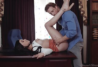 Abstain cutie pie gets laid on the desk