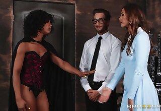 Needy women share a dick in marvelous XXX scenes
