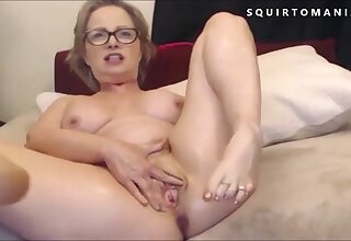 Hot Mature with Big Tits Squirting Wet Shinny up Ejaculation