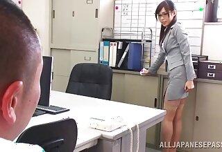 Japanese secretary Emi Nanjyou drops on her knees to give acid-head