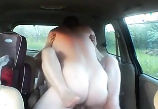 fuck a fond of woman in car