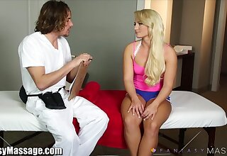 Wonderful hot babe with juicy booty just loves fucking doggy style
