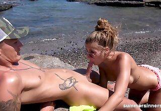 Outdoor shore sex involving broad in the beam bore girlfriend babe