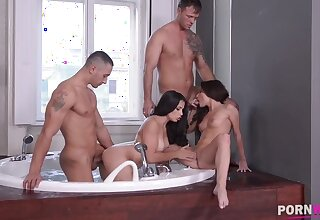 Ass making out foursome in the bathroom with babe Ninel Mojado & hot Anita Bellini GP920