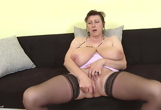 Gorgeous mom with super tits and hungry cunt