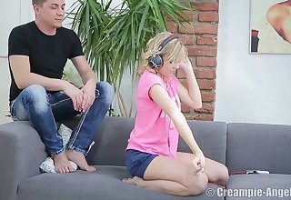 Libidinous flexible teen Dreaml is fucked and creampied by hot blooded fellow