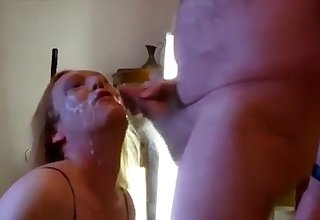 Horny blonde tranny, take a face load be worthwhile for jizz