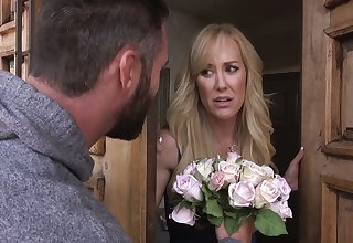 Standing on knees busty MILFie housewife Brandi Love has alongside suck dick