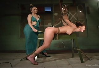 Beautiful and kinky lesbian Audrey Hollander enjoys amazing sex
