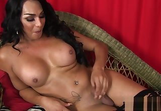 Solo trans babe playing with her dick