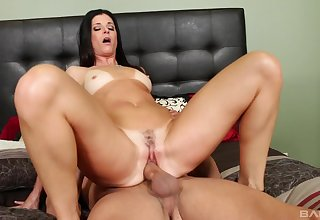 Mature pornstar India Summer loves forth have her pussy fucked