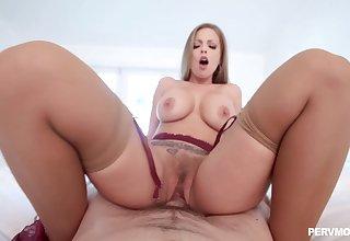 Sexy ass blonde MILF, full hardcore in insane POV scenes