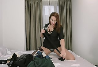 Middle aged woman Tanya Foxxx is masturbating eroded pussy