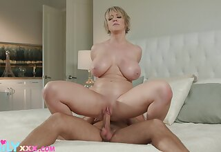 Horny Dee Williams gets her cock socket filled and drilled