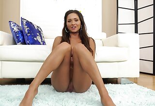 Nice babe Zoe Make grow gives an interview without panties